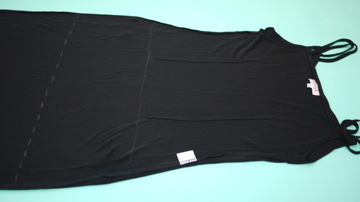 Como transformar un vestido negro de fiesta